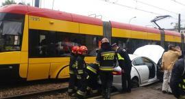 Zderzenie samochodu z tramwajem. Utrudnienia! [ZDJĘCIA]