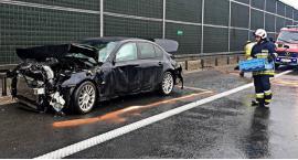 BMW na barierkach [ZDJĘCIA]