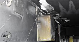 Pożar mieszkania przy Jaktorowskiej [ZDJĘCIA]