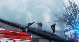 Pożar poddasza budynku [ZDJĘCIA]