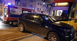 Zderzenie samochodu z tramwajem. Jedna osoba ranna [ZDJĘCIA]