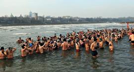 Warszawskie Morsy trenują na plaży Rusałka. Dołączycie? [ZDJĘCIA]