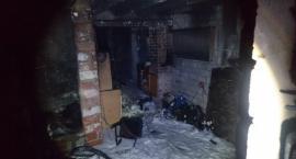 Dwie kobiety uratowane z płonącego domu. Groźny pożar na Nachyłkowej [ZDJĘCIA]