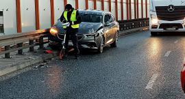 Zderzenie dwóch aut na Trasie Siekierkowskiej [ZDJĘCIA]