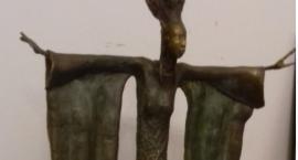 Skradziono rzeźbę z grobu Niny Andrycz
