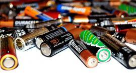 Łomianki: ukradł ponad 200 sztuk... baterii