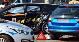 Dwie osoby ranne w wypadku na Mokotowie [ZDJĘCIA]