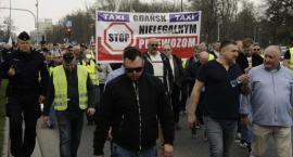 Kolejny protest taksówkarzy w Warszawie [ZDJĘCIA+FILM]