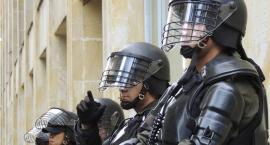 Alarmy bombowe w szkołach przy starcie egzaminów maturalnych