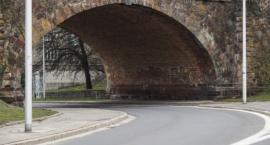 Będzie remont ceglanego zjazdu z mostu Poniatowskiego