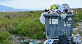 Problemy z odbiorem śmieci w kilku dzielnicach. Do końca tygodnia mają być wywiezione