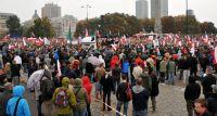 """Demonstracja """"Polacy przeciw imigrantom"""" [FOTO]"""