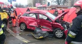Straż publikuje zdjęcia z wypadku na skrzyżowaniu ul. Rembielińskiej i Bazyliańskiej