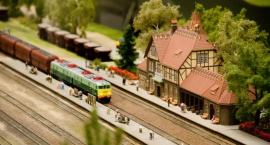 Miniaturowy świat kolei na Narodowym [ZDJĘCIA]