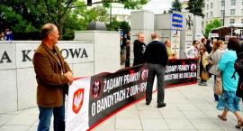 Demonstrowali pod Sejmem w sprawie ludobójstwa dokonanych na Polakach