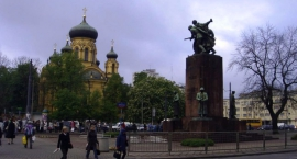 Posłowie PiS chcą pomnika Wschodnich Sojuszników zamiast Czterech Śpiących na Pradze