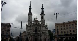 Nawałnica zerwała krzyż na kościele przy pl. Zbawiciela