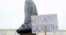 Stop reformie edukacji. Protest nauczycieli w Warszawie