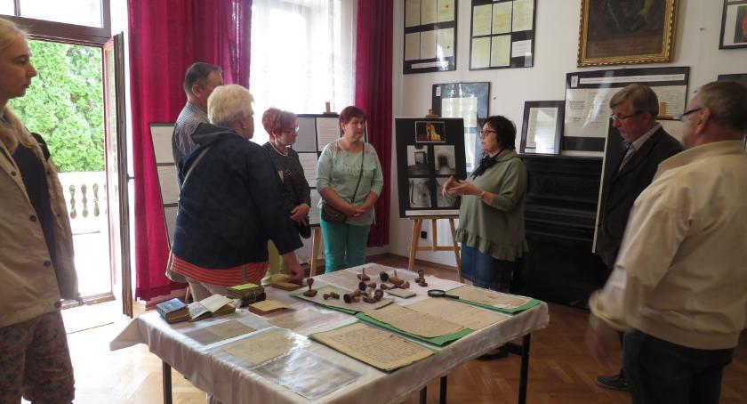 Wystawy, Wystawa Starej Plebanii Karczewie - zdjęcie, fotografia