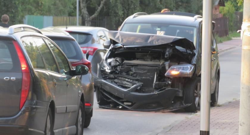 Wypadki drogowe , Kolizja skrzyżowaniu Rycerskiej Okrzei - zdjęcie, fotografia