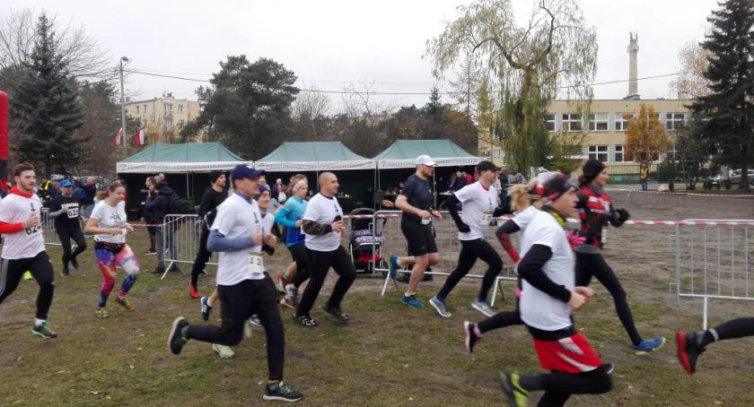Bieganie, Biegowa niedziela szczytnym celem Otwocku - zdjęcie, fotografia