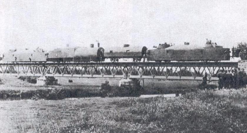 Historia, Krajobraz pociągiem pancernym - zdjęcie, fotografia