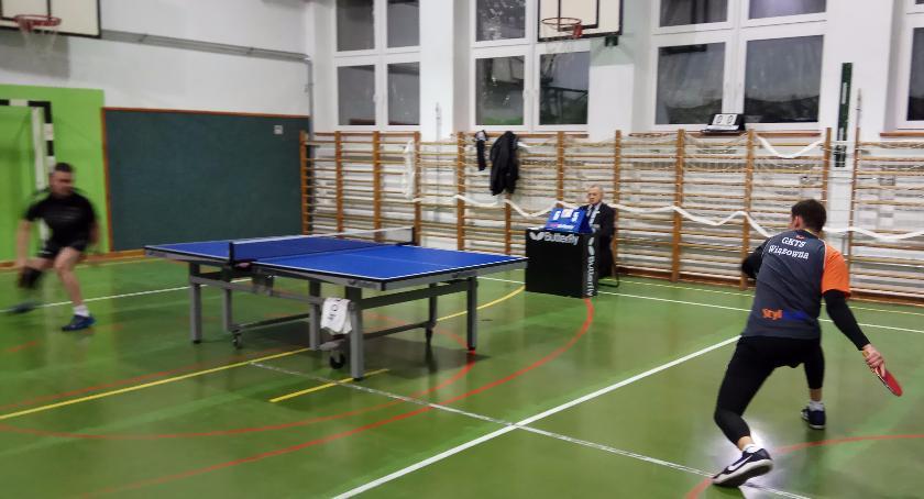 Tenis stołowy, Debiut wychowanka awans seniora Wiązowna - zdjęcie, fotografia
