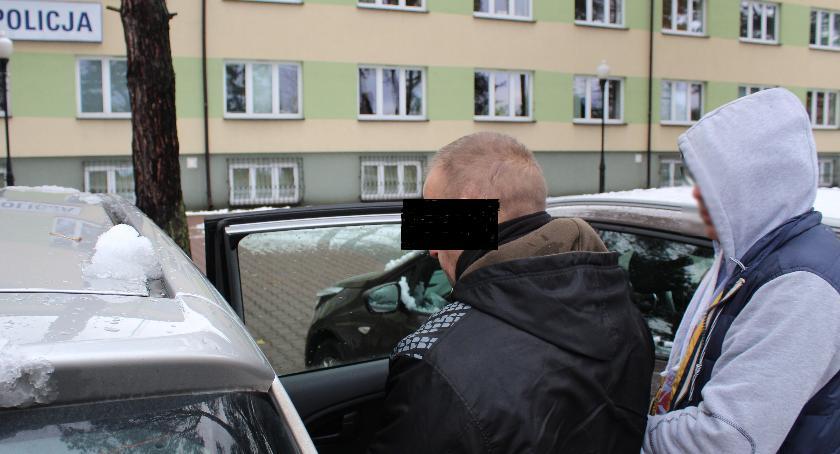Kronika kryminalna, Bombowi dowcipnisie areszcie - zdjęcie, fotografia