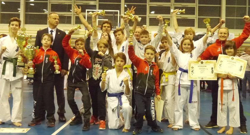 Sporty walki, medali karateków Bushi Bielsku Białej - zdjęcie, fotografia