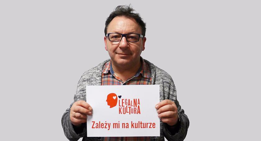 Rodzina, Zbigniew Zamachowski przyjeżdża Otwocka czytać dzieciom baśnie - zdjęcie, fotografia