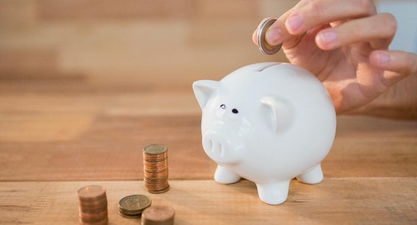 Finanse, Pieniądze sypią nieba Karczew okiem radnego Kwiatkowskiego - zdjęcie, fotografia