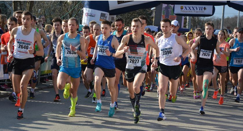 Bieganie, Półmaraton Wiązowski dobry start! - zdjęcie, fotografia