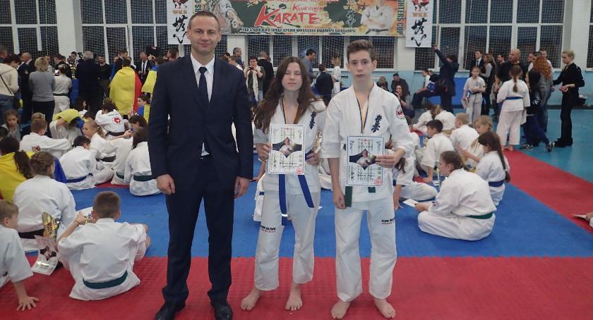 Sporty walki, Karatecy Józefowa medalami turnieju Ukrainie - zdjęcie, fotografia