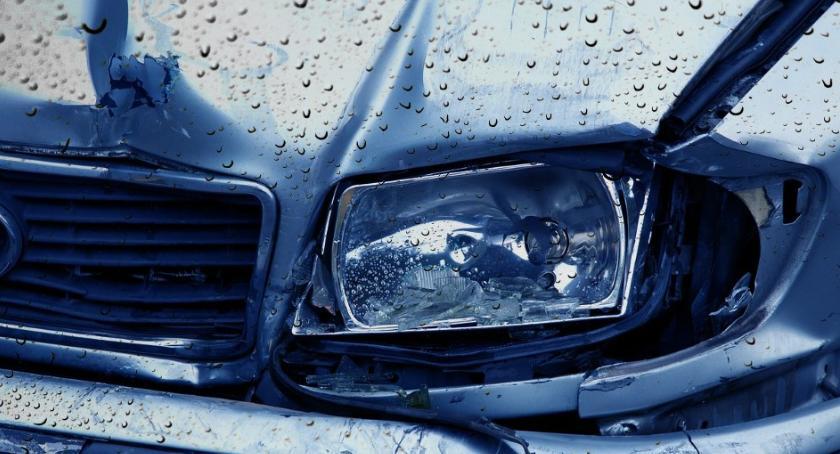 Wypadki drogowe , Pięcioro rannych święta drogach powiatu otwockiego - zdjęcie, fotografia
