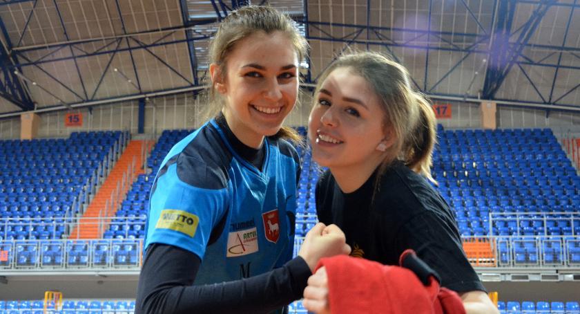 Piłka ręczna, Karczewskie szczypiornistki deklasują Lublin! - zdjęcie, fotografia
