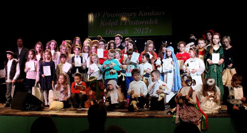 Koncerty - muzyka, Powiatowe talenty repertuarze kolędowym - zdjęcie, fotografia