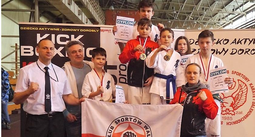 Sporty walki, Sześciu zawodników sześć medali Sukces Bushi Brzeszczach - zdjęcie, fotografia
