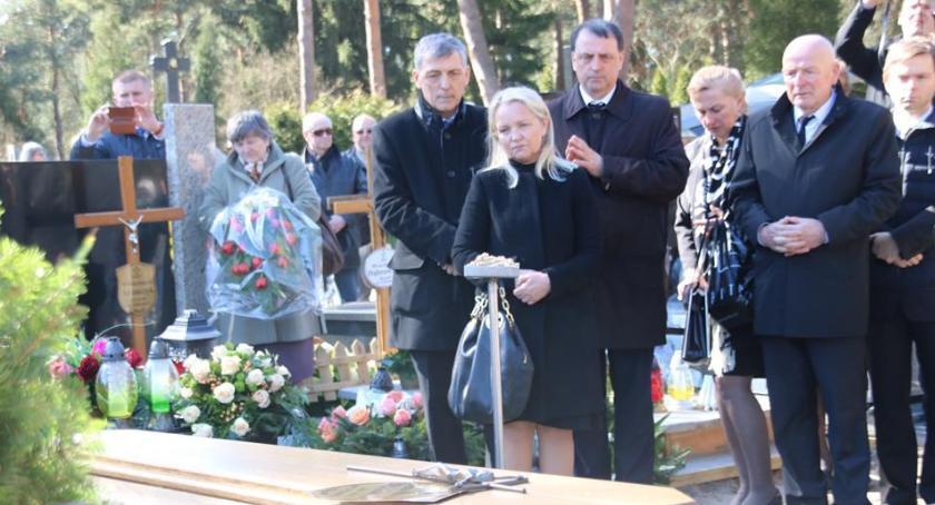 Wspomnienie, Celestynów pożegnał Nauczycielkę profesor Halinę Różacką - zdjęcie, fotografia
