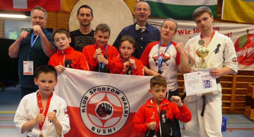 Sporty walki, medale Bushi turnieju Szwajcarii - zdjęcie, fotografia