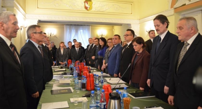 Radni Otwocka, Otwoccy radni będą karani nieróbstwo - zdjęcie, fotografia