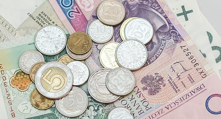 Finanse, Jakie podwyżki woźnych intendentek otwockich placówkach oświatowych - zdjęcie, fotografia