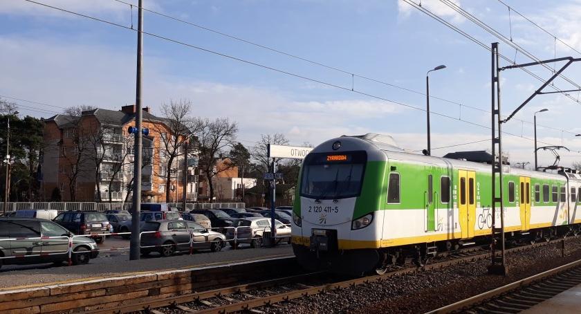 Komunikacja - drogi , lipcu dojedziesz pociągiem Otwocka Warszawy - zdjęcie, fotografia