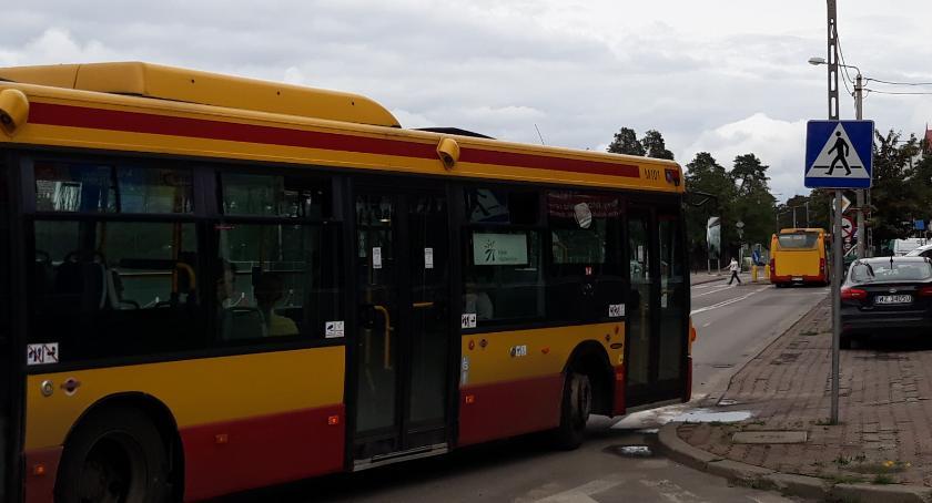 Komunikacja - drogi , Pasażerowie linii piszą reklamacje - zdjęcie, fotografia