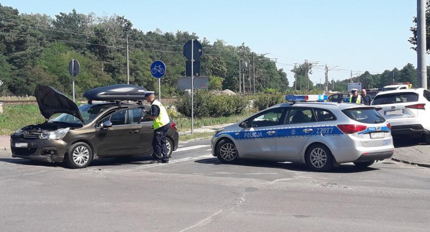 Wypadki drogowe , Filipowicza Armii Krajowej Skrzyżowanie chybił trafił - zdjęcie, fotografia