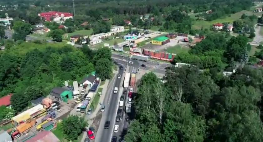 Inwestycje, dalej Wschodnią Obwodnicą Warszawy - zdjęcie, fotografia