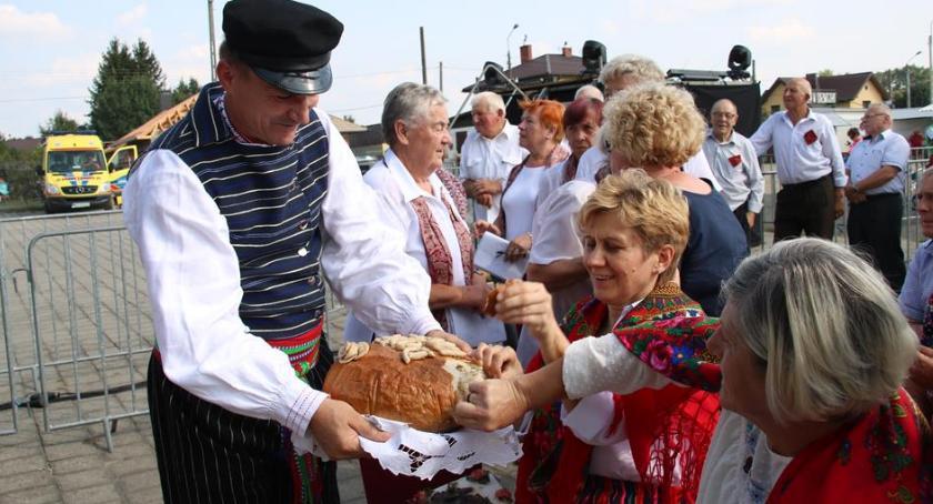 Imprezy, Podzielili chleb Kołbielszczyzny - zdjęcie, fotografia