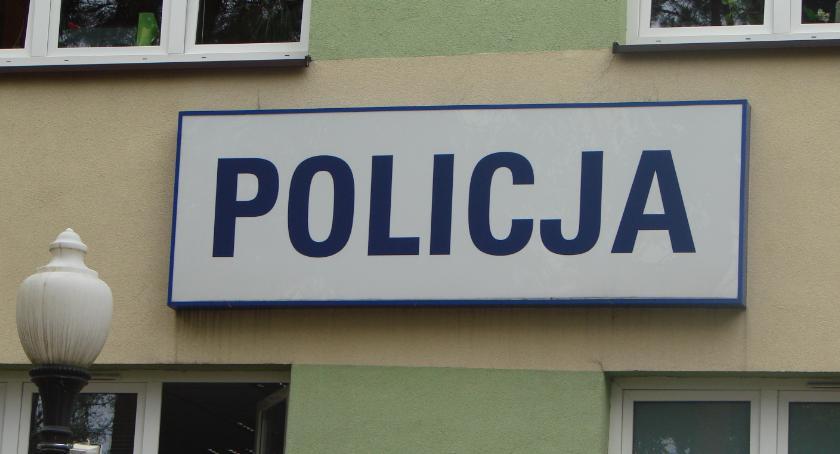 Kronika kryminalna, Policjant zawsze posterunku - zdjęcie, fotografia