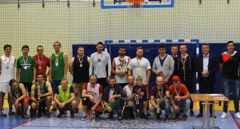 Koszykówka, Finitaj zdobył Puchar Wójta Gminy Celestynów - zdjęcie, fotografia