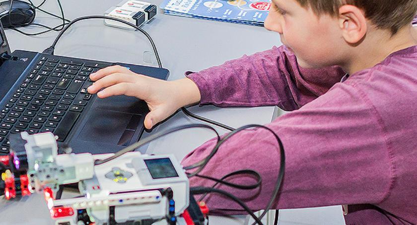 Edukacja - nauka, Zajęcia robotyki dzieci - zdjęcie, fotografia