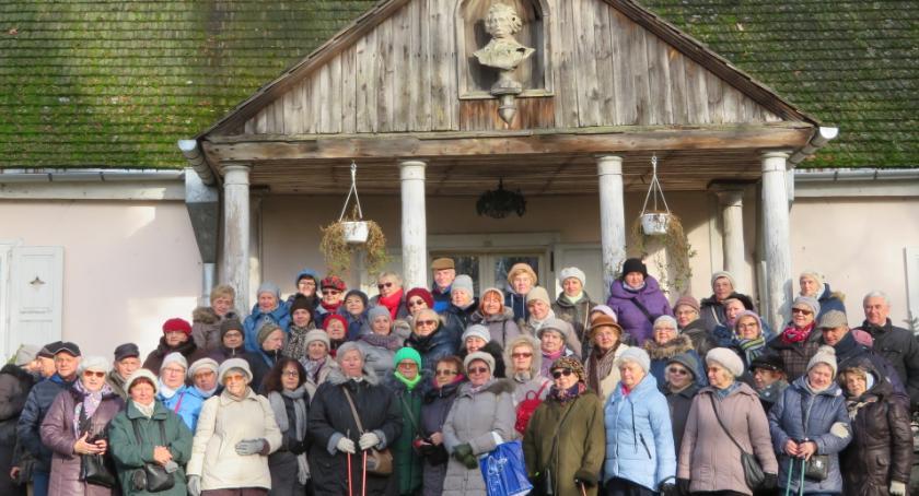 Edukacja - nauka, Otwoccy seniorzy wyruszyli śladami Norwida - zdjęcie, fotografia